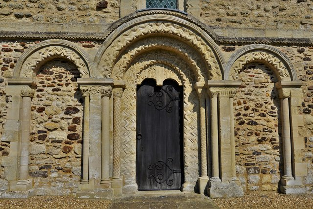 Stewkley, St. Michael's Church: The Norman triple-arched west door with zig-zag carving
