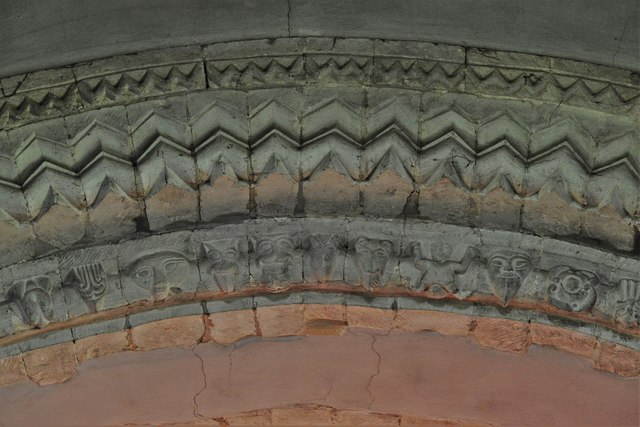 Stewkley, St. Michael's Church: Tower arch beakheads