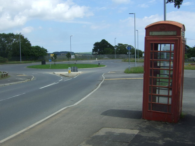 Telephone box on Kirgilliack Road