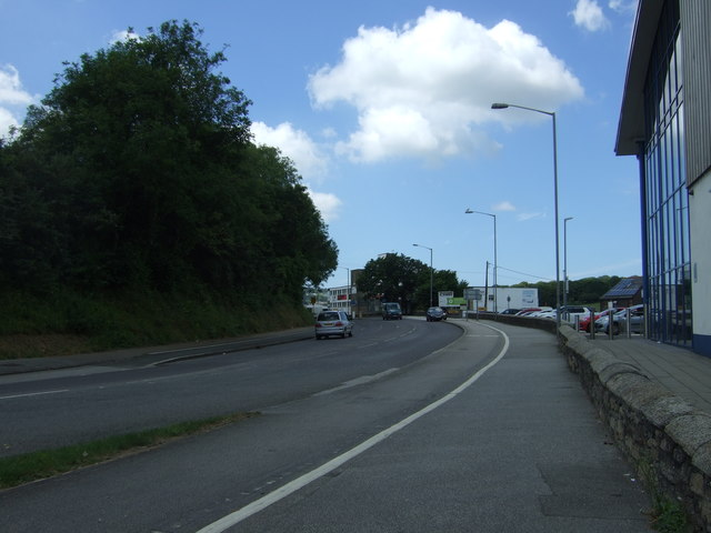 Cycle path beside Falmouth Road (B3292)