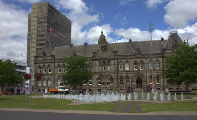 Middlesbrough town hall and fountains
