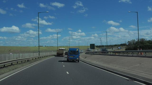 New road around airport