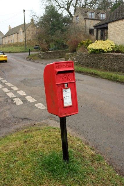 Postbox, Great Rissington