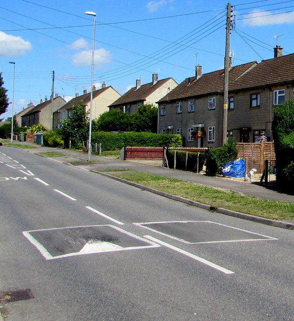 Cranleigh Court Road houses and speed bumps, Yate