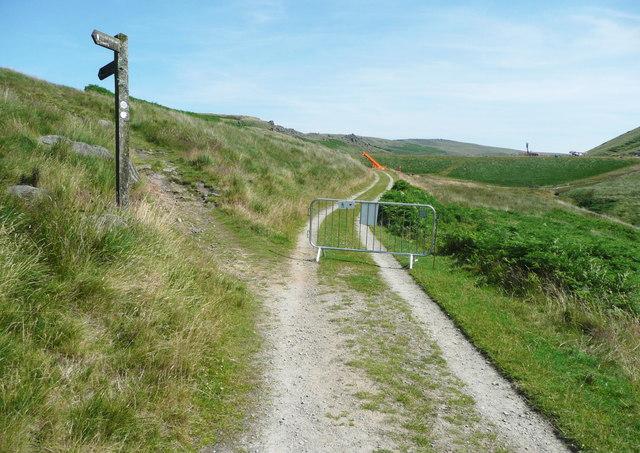The Pennine Bridleway leaving the reservoir driveway, Chelburn Moor