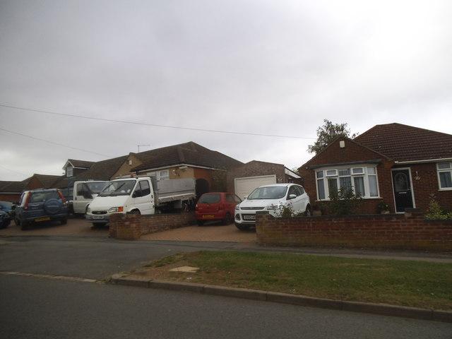 Bungalows on Manor Road, Caddington