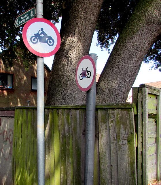 No motorbikes sign and no cycles sign, Yate