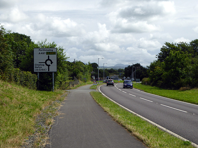 Approaching the roundabout at AfonWen