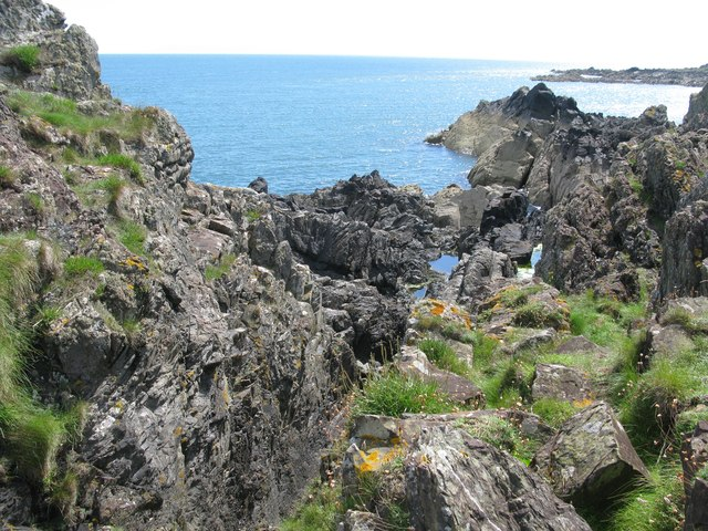 Cleft in the rocks at the Isle of Whithorn