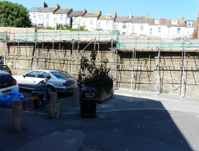 Refurbishment of Bradstone Road cemetery wall