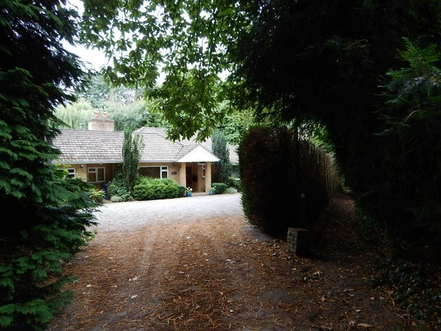 Sunningdale - Bungalow with own access track