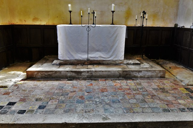 Hailes Old Church: Altar with medieval encaustic tile surround 5
