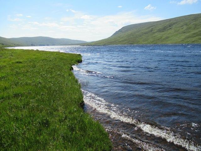 Near outflow of Allt an Fhearna into Loch Merkland near Lairg