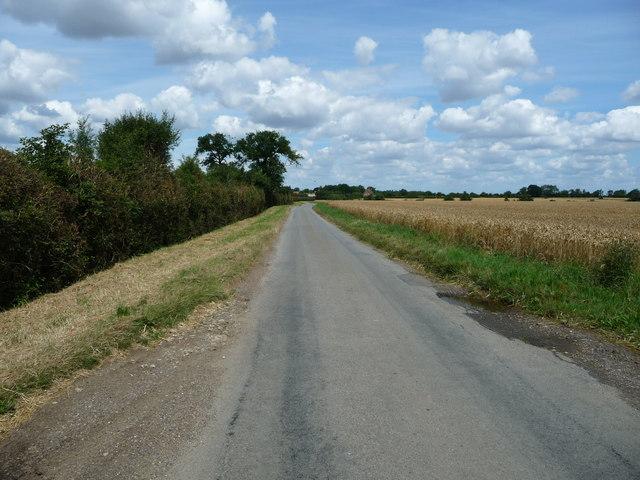 Mellis Road, heading north