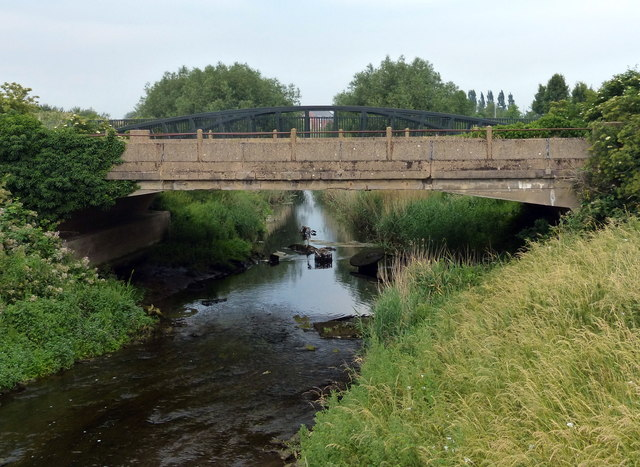 Two bridges crossing the River Nar