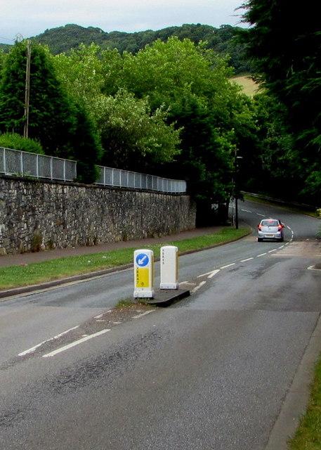 Keep left sign, Pillmawr Road, Malpas, Newport