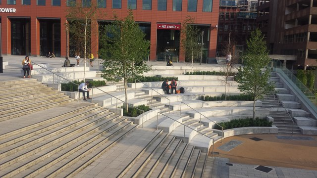 New amphitheatre in Station Square, Reading