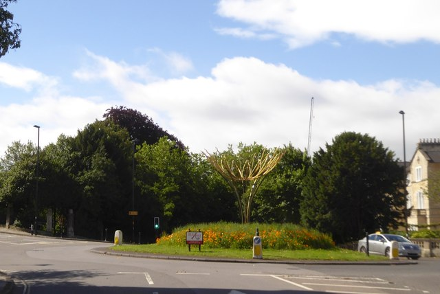 Sculpture on roundabout at Bathwick on A36
