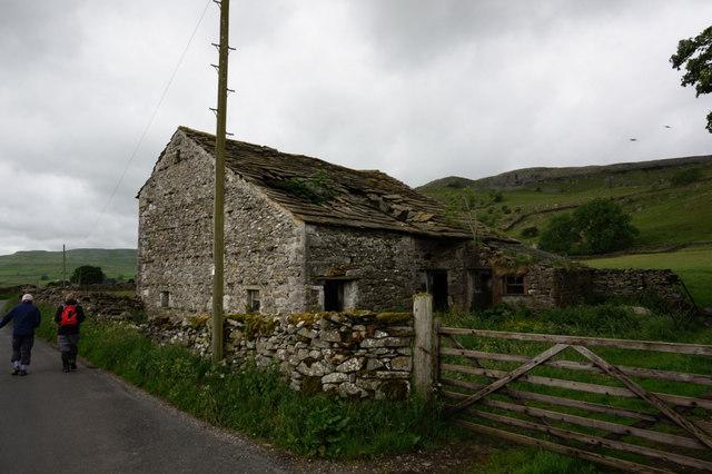 Barn on Austwick Road near Far End Farm