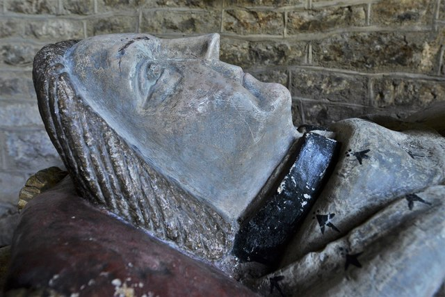Ebrington, St. Eadburgha's Church: Sir John Fortescue (d. 1484) monument 3