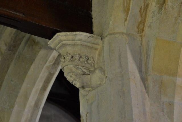 Ebrington, St. Eadburgha's Church: Finely carved Queen corbel