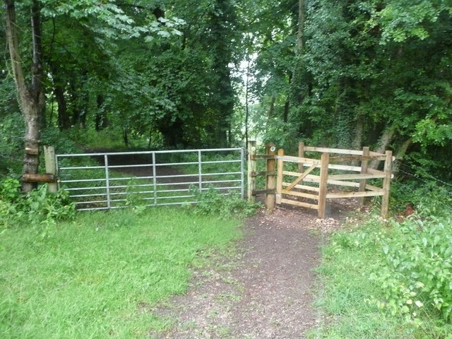Entrance to Pinchcombe Wood