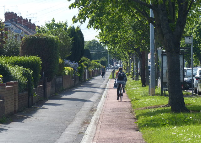 Cycle path and pavement along Sutton Road