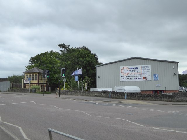 Former signal box and modern commercial building, Warmley