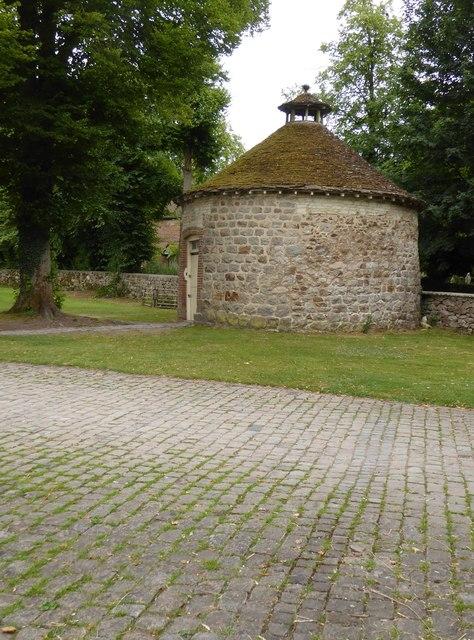 Dovecote at Avebury Manor