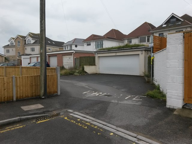 Southbourne: Bolton Close from Bolton Road