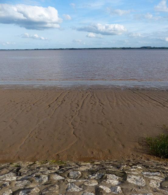 Shoreline along the Humber estuary