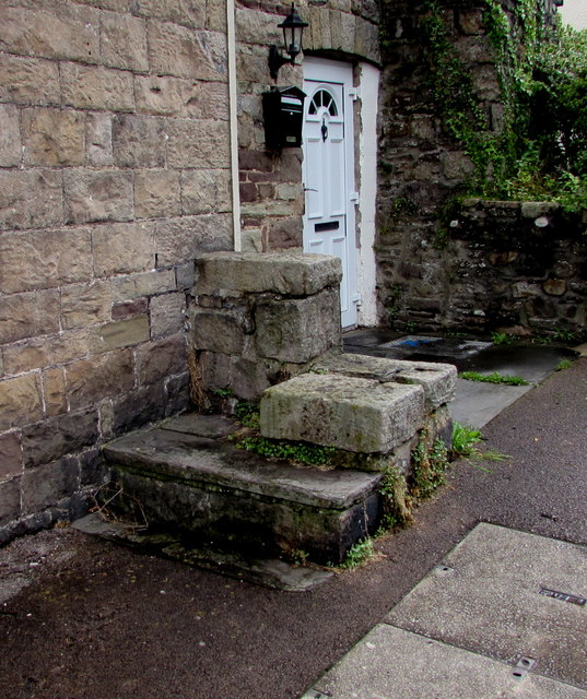 Old mounting block outside the Lion, Govilon