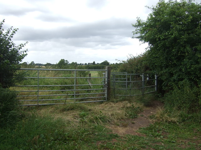 Field entrance and footpath Astwood Lane