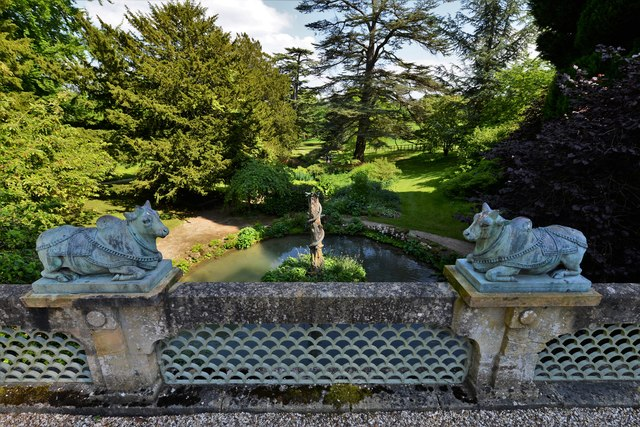 Sezincote Garden: Ornamental bulls on the Indian Bridge