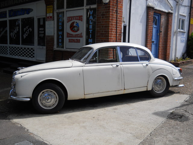 Jaguar Mark 2, Grange Park