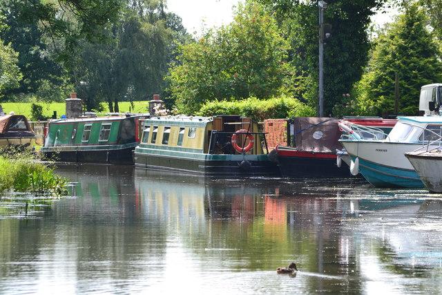 Narrowboats at Goytre