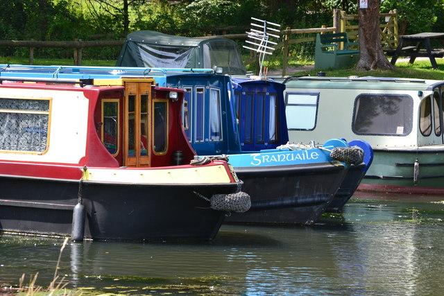 Narrowboats in marina at Goytre