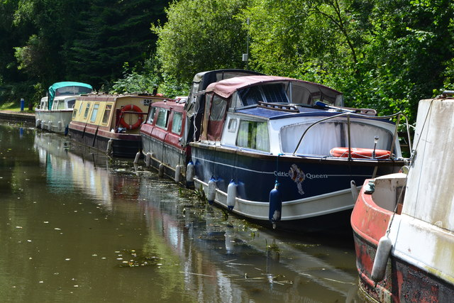 Moored boats at Goytre