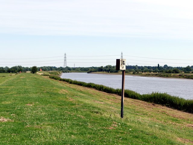 Distance marker on the River Trent