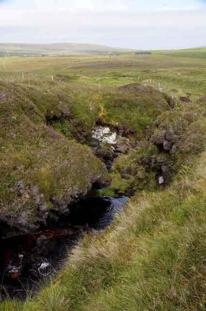 Burn of Houllnastoura, Valla Field