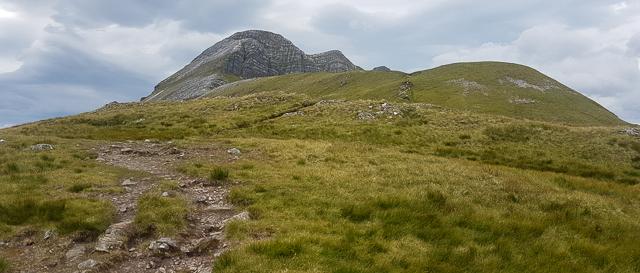 View along the ridge towards Stob Ban