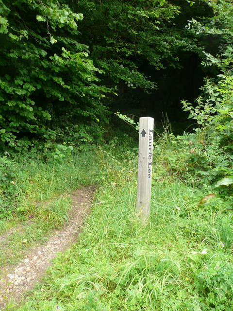 Waymark on the Laurie Lee Wildlife Walk