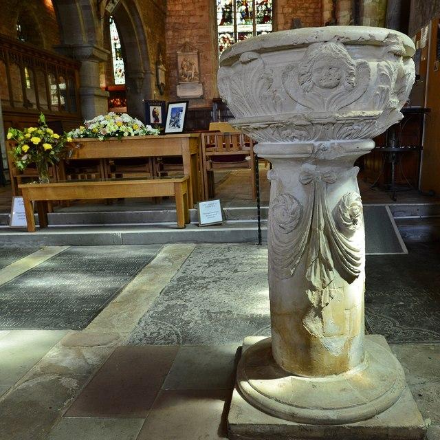 Ledbury, St. Michael and All Angels Church: The c17th font
