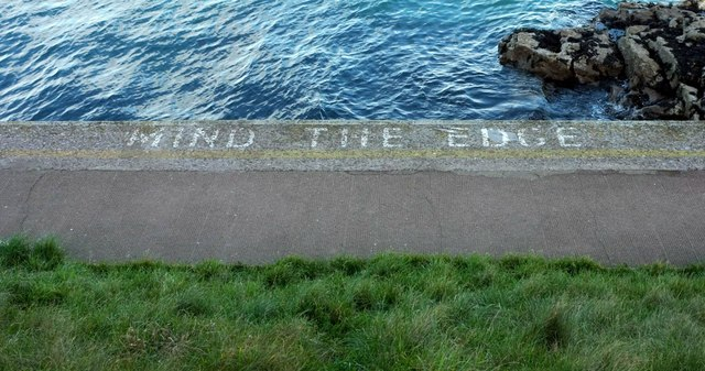 Mind the edge, Brixham