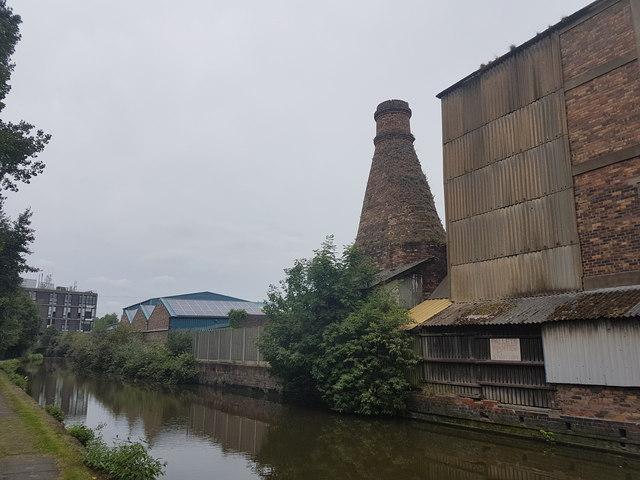 Dalby Pottery Bottle Kiln, Trent Mersey Canal