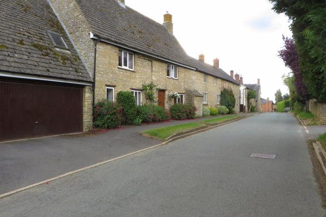 Houses on Wappenham Road