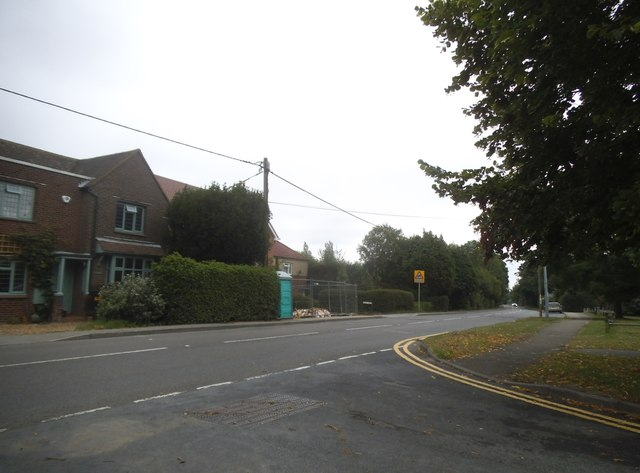 Common Road at the junction of The Chilterns