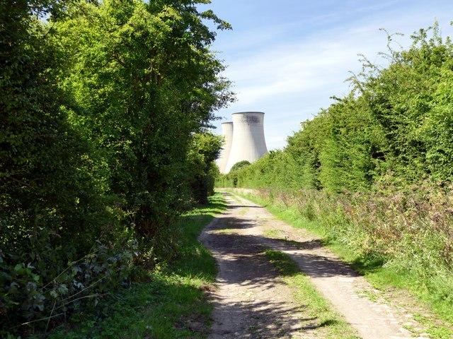A walk around Cottam power stations (11)
