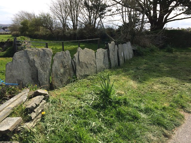 Slate field enclosure