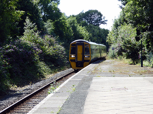An Arriva Wales train arriving at Criccieth